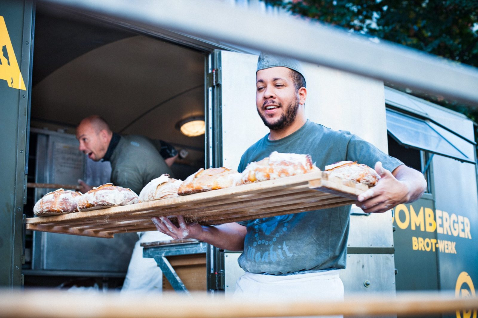 Eine mobilen Kleinstbäckereien von Domberger Brotwerk: Sauerteig für Märkte und Lebensmittelwüsten