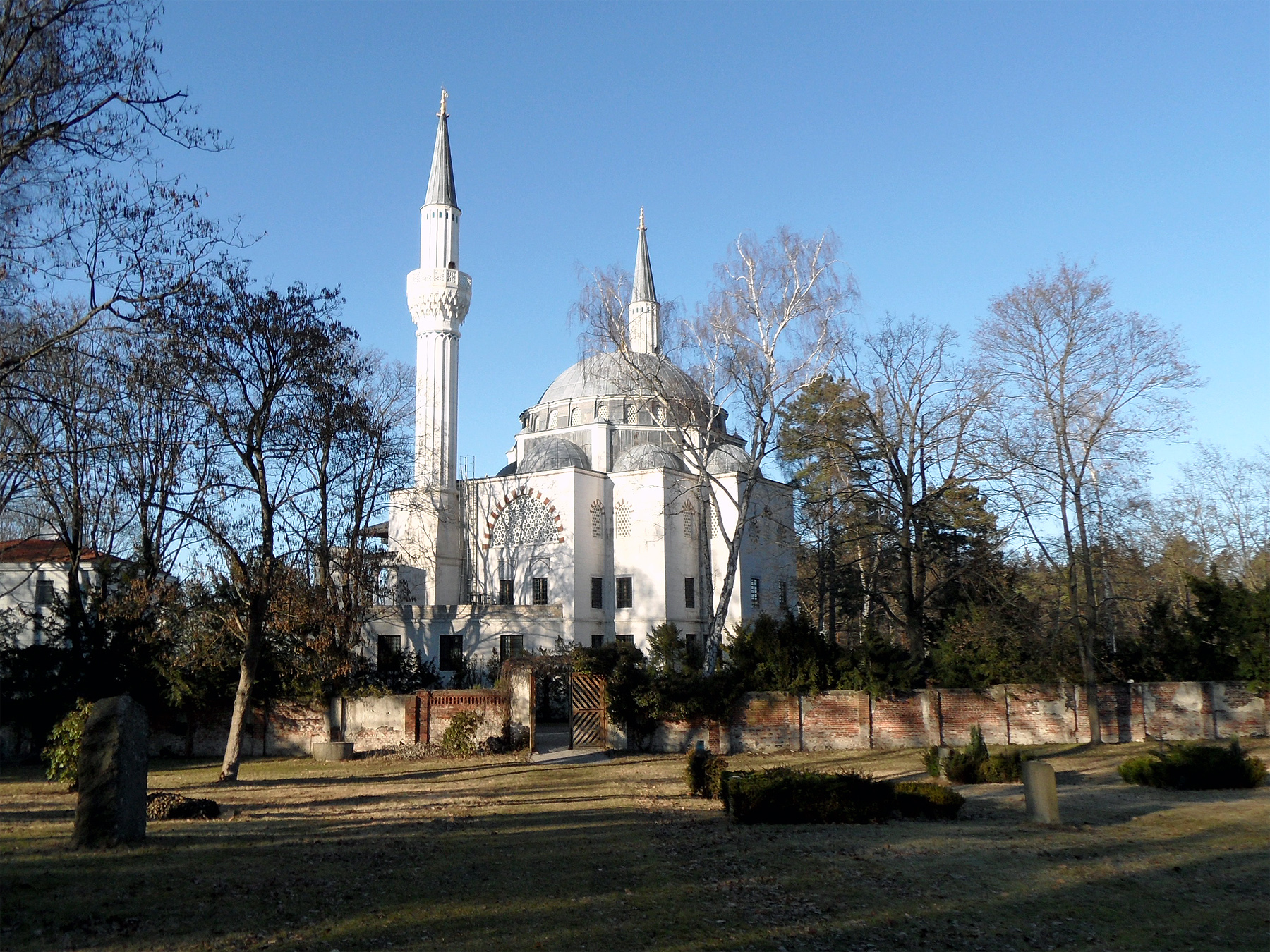 Sehitlik moschee 2 c onnola flickr cc by sa 2 0