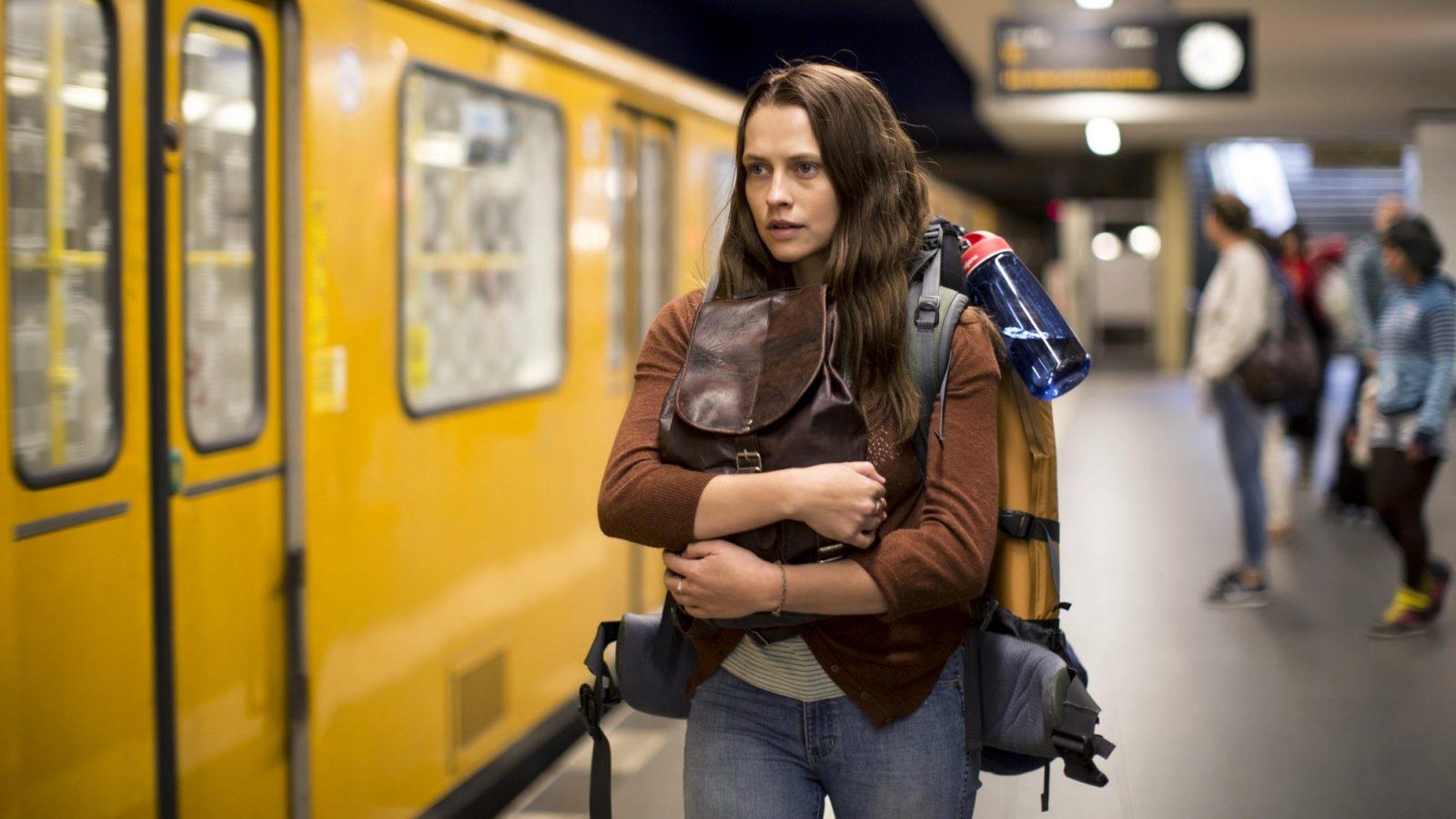 Horrorfilme Berlin: Noch ist die junge Australierin in Freiheit, aber nicht mehr lange. Foto: 2016 Berlin Syndrome Holdings Pty Ltd Screen Australia