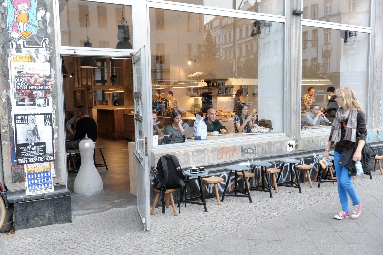 Cafés Mitte Im trendigen Café The Barn gibt es trendige Kaffeespezialitäten, gute Sandwiches und leckeren Kuchen.