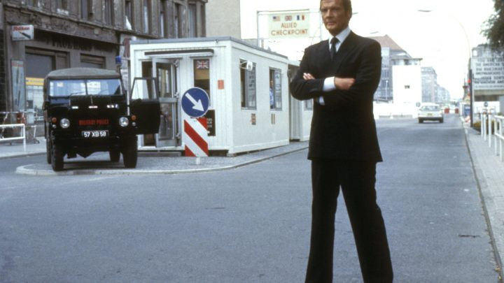 OCTOPUSSY, Roger Moore, 1983, (c) United Artists/courtesy Everett Collection