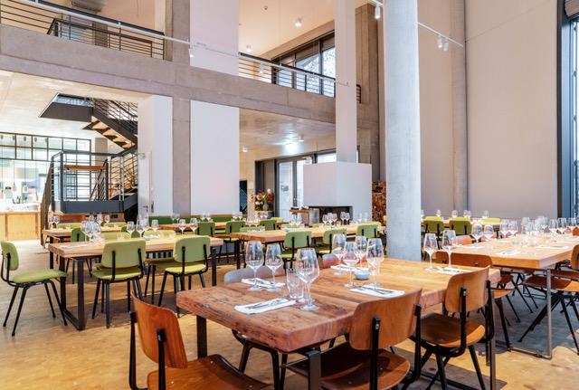 Restaurant Bar Brass