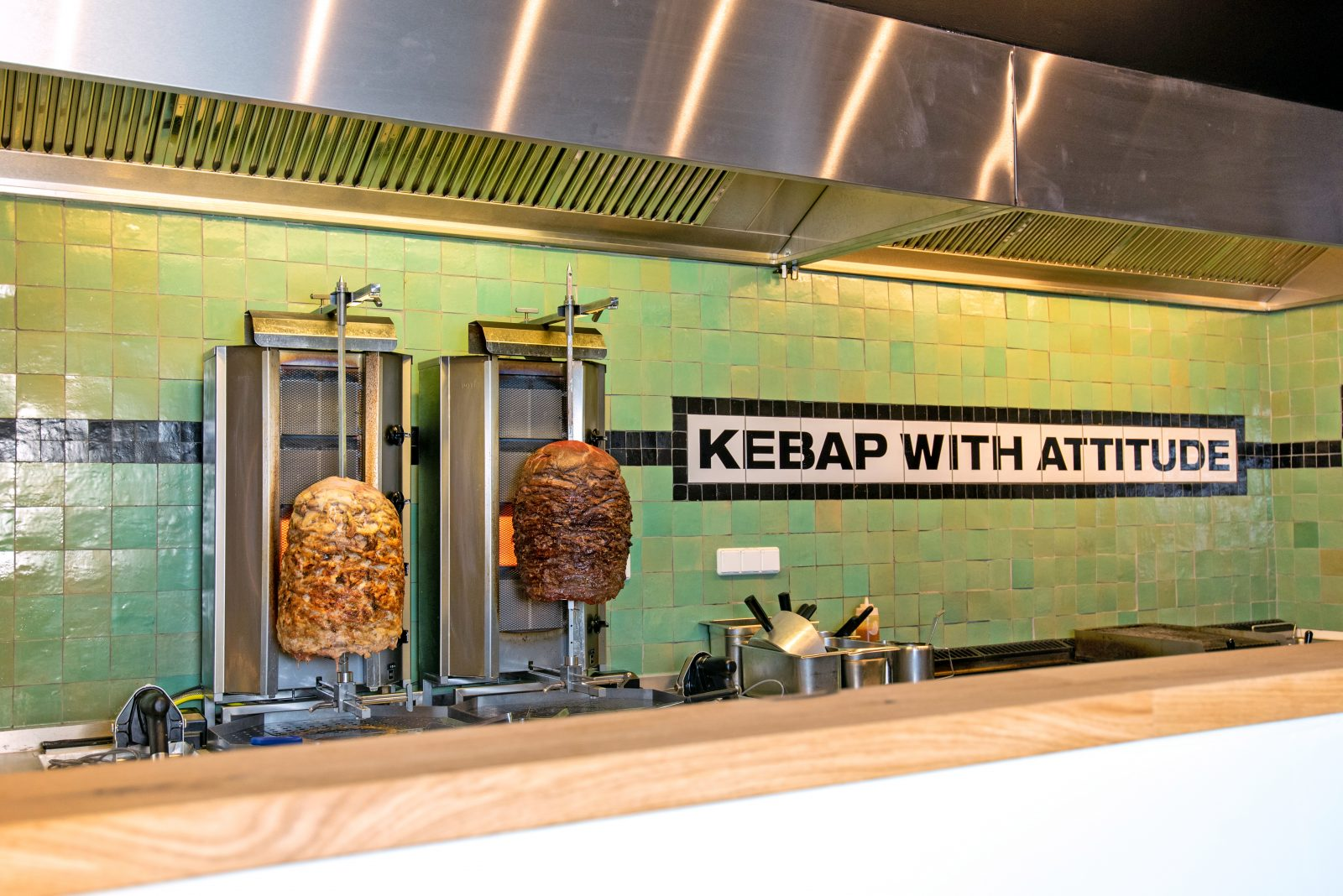 "Chicken- and beef-spits at new Mitte döner joint ""Kebap with Attitude"""