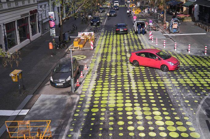 Absolutely dotty: the latest traffic-calming measures in Bergmannkiez (Photo: imago images / Michael Handelmann)