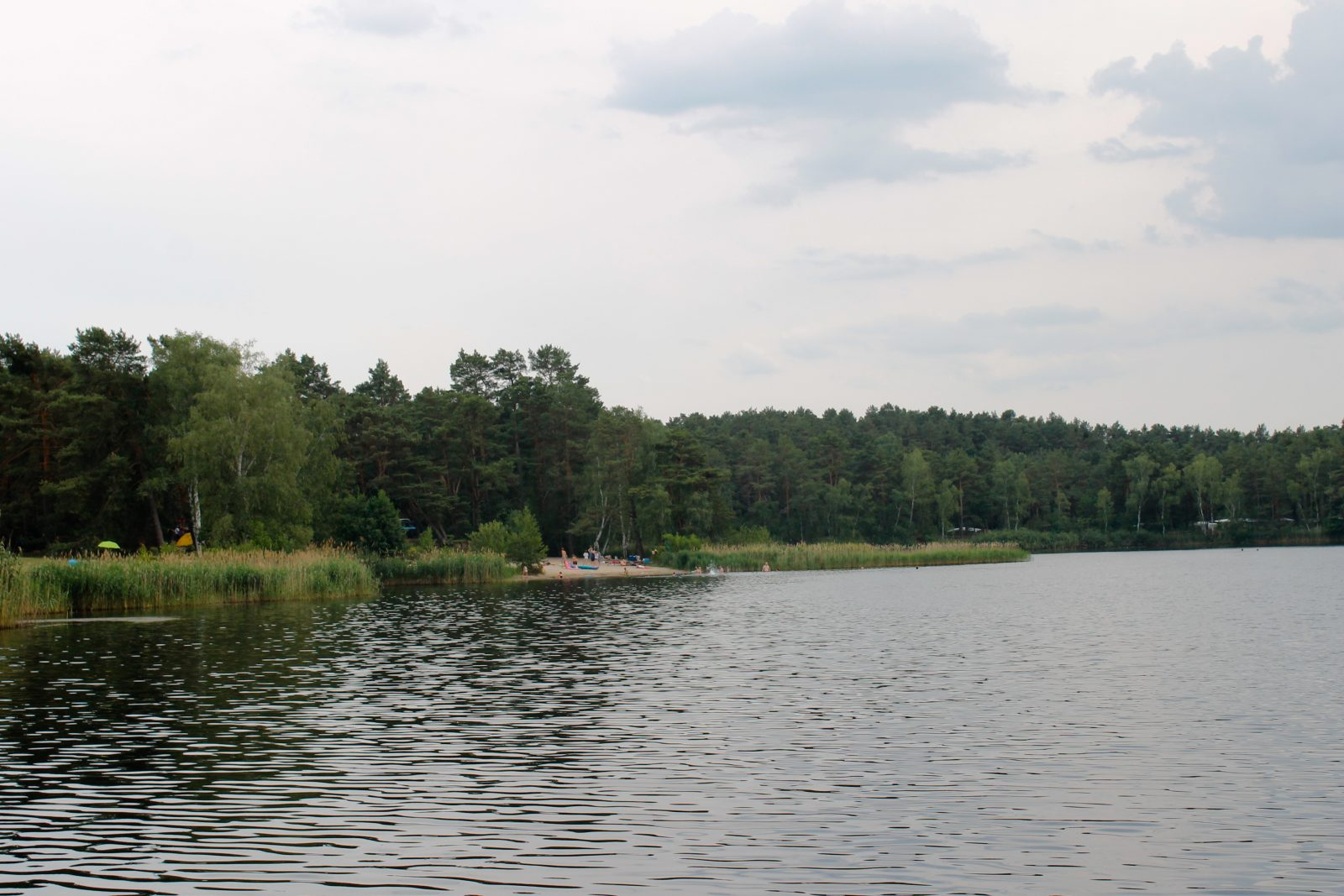 A view over Tonsee lake to a public lido.