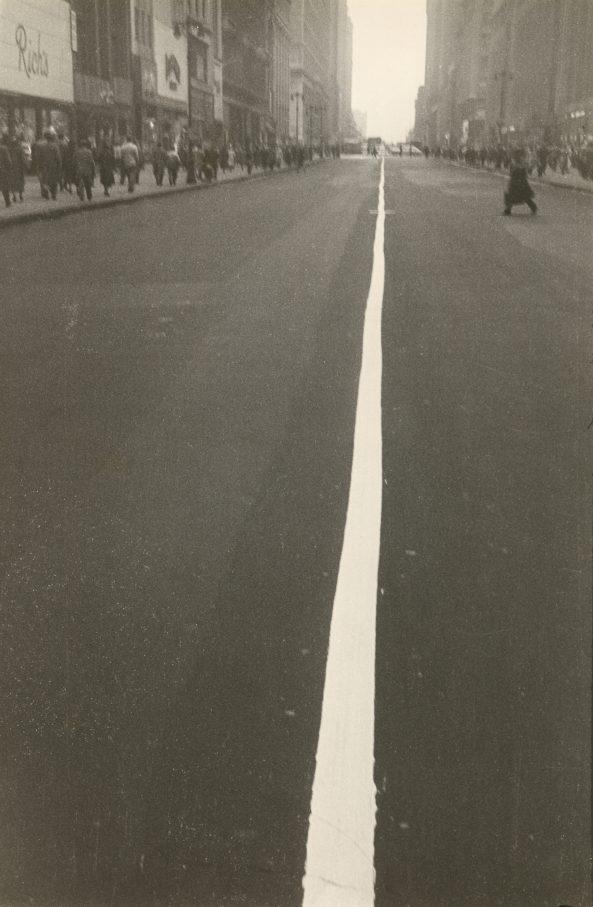 1948 Alle Bilder © Robert Frank . Courtesy Pace/MacGill Gallery, New York 01 New York, 1948 © Robert Frank . Courtesy Sammlung Fotostiftung Schweiz, Winterthur