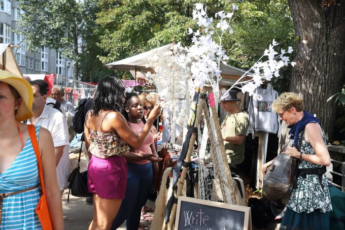 NOWKOELLN Flohmarkt am 28.08.2016 in Berlin-Neukoelln NOWKOELLN Flohmarkt am Maybachufer in Berlin-Neukoelln - Reichhaltiges Angebot an Troedel, Second-Hand, Kunst, Schmuck, Musik und original Handmades entlang des Spreeufers. xKATJPGx  Flea market at 28 08 2016 in Berlin Neukoelln  Flea market at Maybachufer in Berlin Neukoelln Rich Quote to Junk Second Hand Art Jewellery Music and Original Handmades along the Spree river xKATJPGx