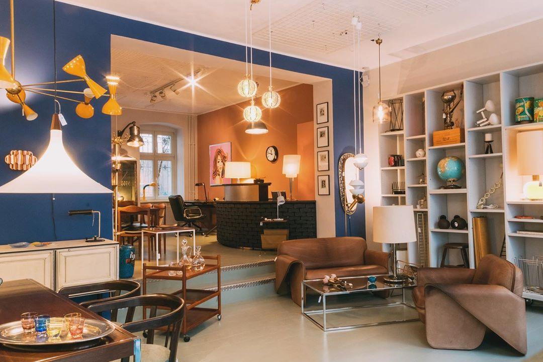 Vintage Möbel Berlin Eine wunderschöne Auswahl von Vintage-Möbeln finden Innenarchitekt*innen in der Kreuzberger Oranienstraße.