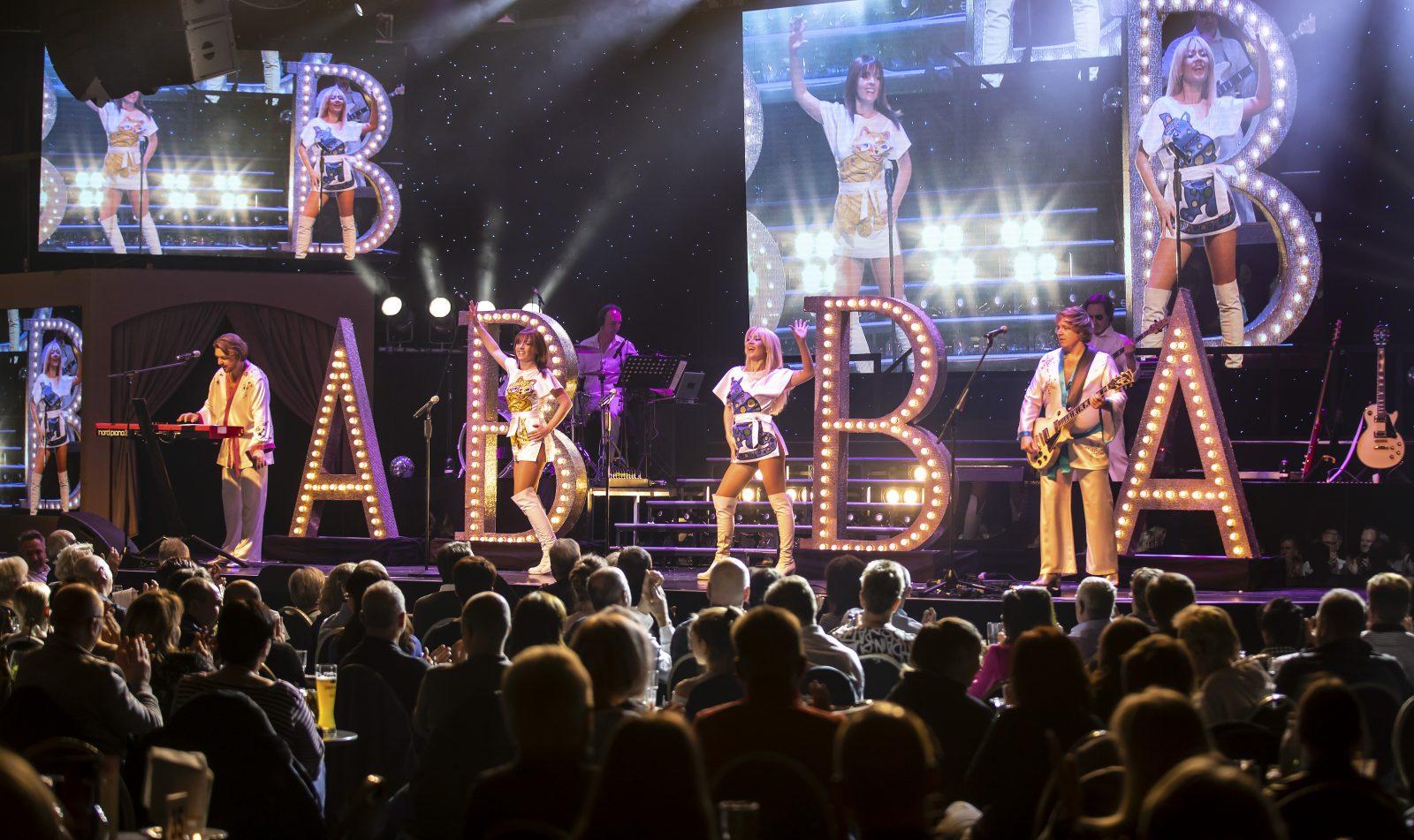 Stars in Concert im Showtheater des Estrel-Hotels