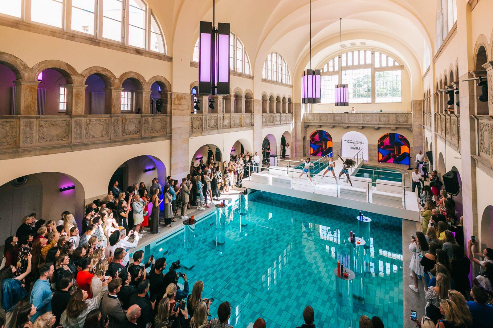 Schwimmhalle im Hotel Oderberger