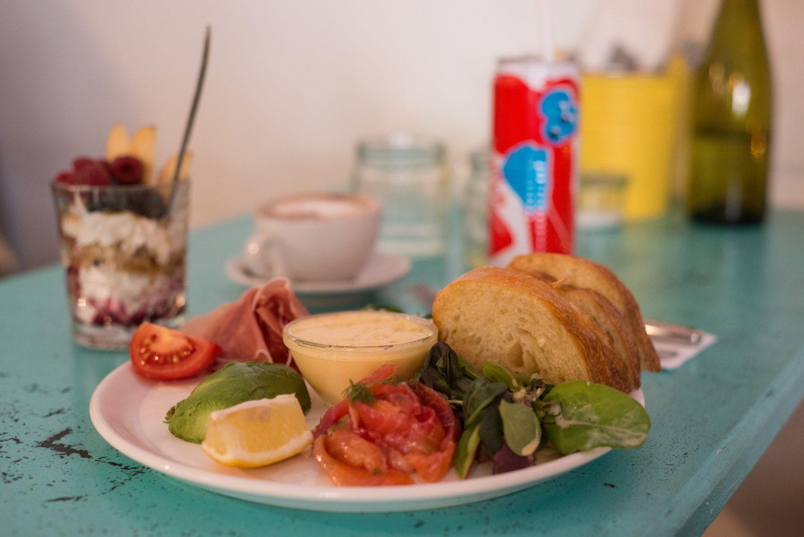 Wer Frühstück liebt, sollte in der Rykestraße vorbeischauen.