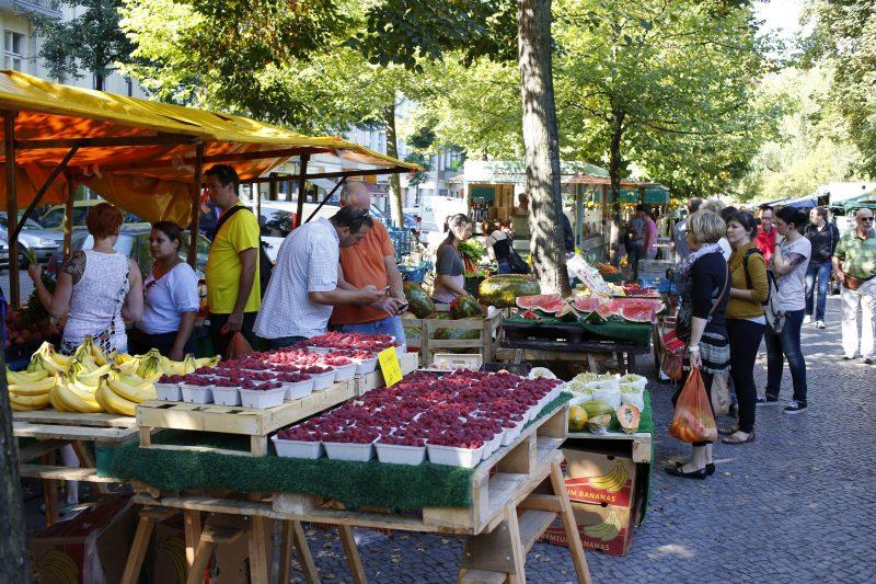 Unter den Märkten in Berlin ein Klassiker: der Boxhagener Platz.