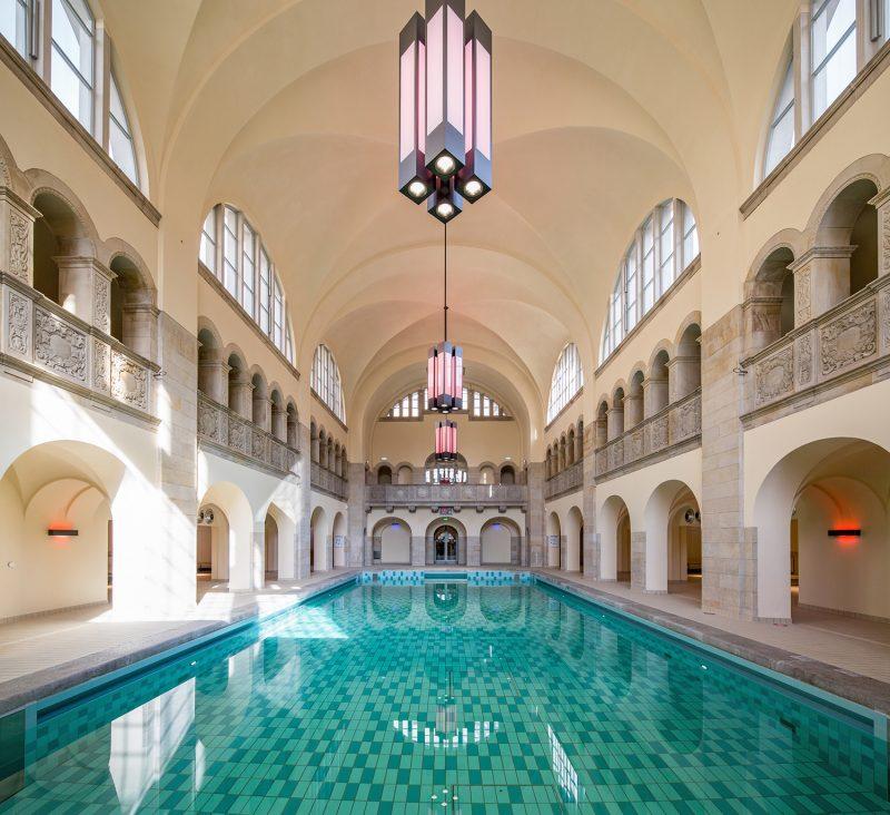 Über 70 schick eingerichtete Zimmer und ein wunderschönes Schwimmbad hat das Hotel Oderberger zu bieten.