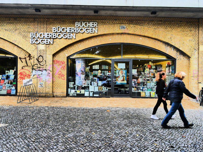 Der Buchladen Bücherbogen am Savignyplatz darf in der Liste besonderer Buchläden in Berlin nicht fehlen.