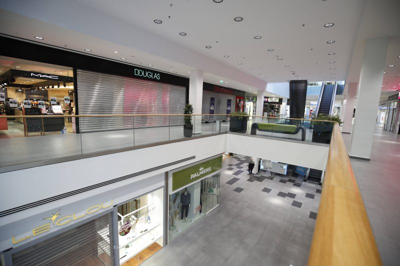 Corona-Krise: Einkaufszentrum in Österreich – auch in Deutschland soll alles schließen.