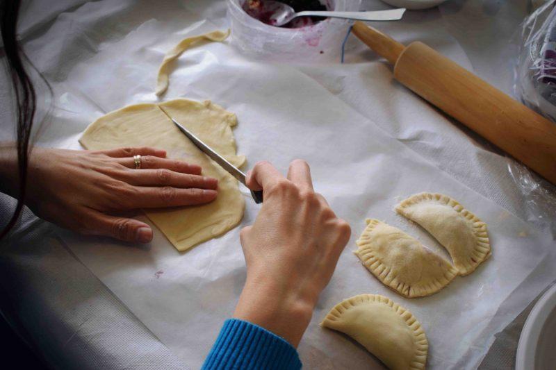 Der Geruch, der sich nach dem Kochen in der Küche ausbreitet, verursacht eine Geborgenheit, die unbezahlbar ist. Auch während der Corona-Isolation.