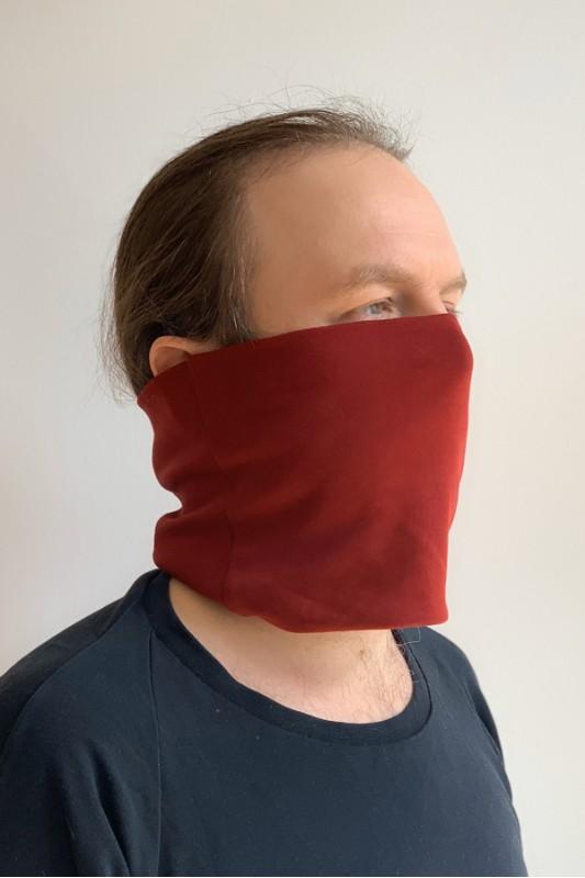 Neue Mode von Kollateralschaden. Das Label produziert Masken