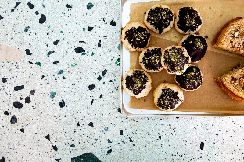 Kekse im Rocket + Basil. Das Restaurant ist nicht halal, aber interpretiert die muslimisch-geprägte Küche des Iran neu.