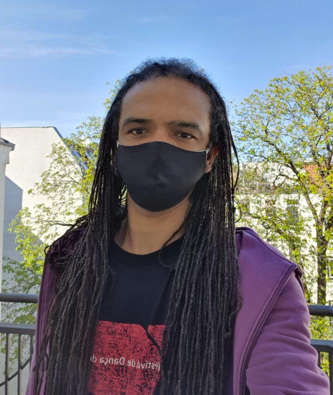 Im April habe ich cirka 20 Masken genäht und 15 davon an Freund*innen verschenkt.