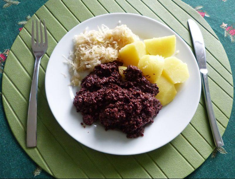 Tote Oma, Blutwurstbrei mit Kartoffeln, ist ein Klassiker der Berliner Küche