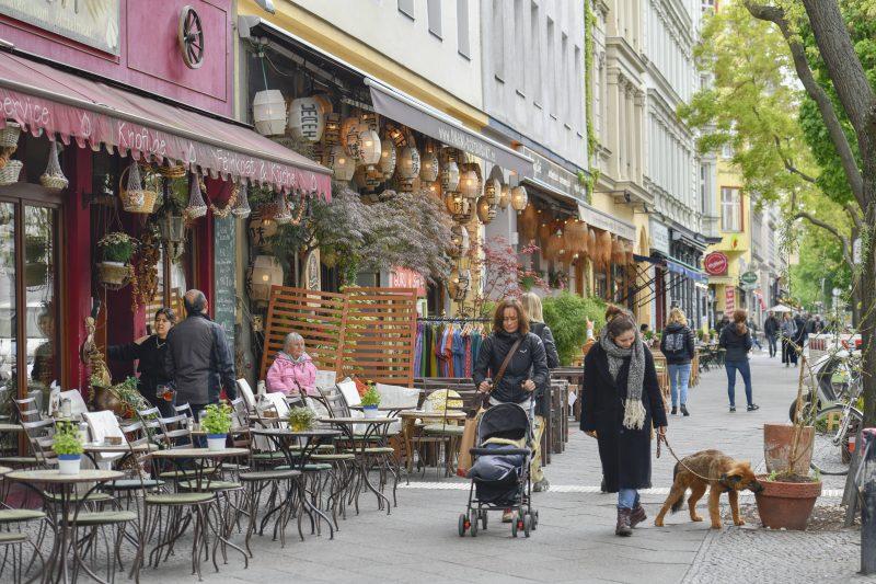 An diese Dinge müssen sich Zugezogene in Berlin erstmal gewöhnen: In Berlin gibt's beliebte Kieze wie den rund um die Bergmannstraße, und keine Innenstadt.