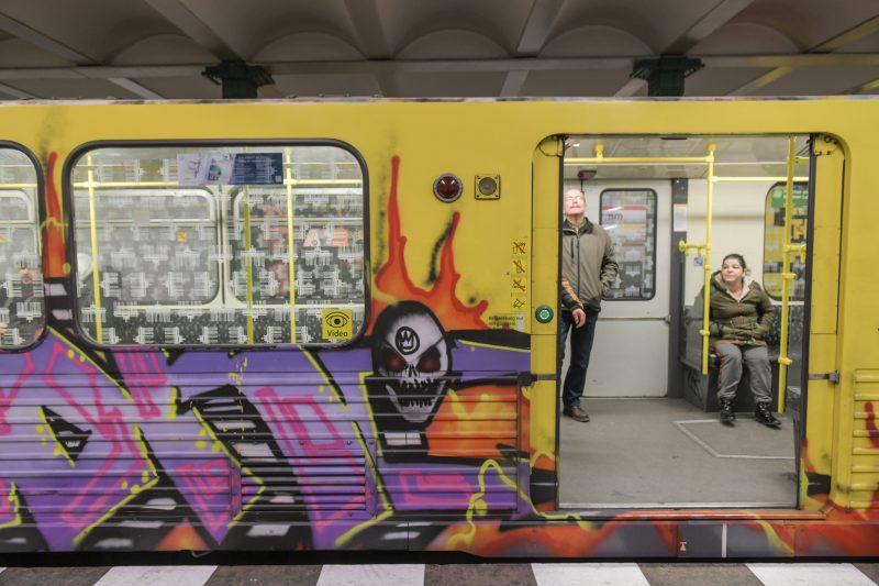 Geht die U-Bahn-Tür jetzt automatisch auf oder nicht?