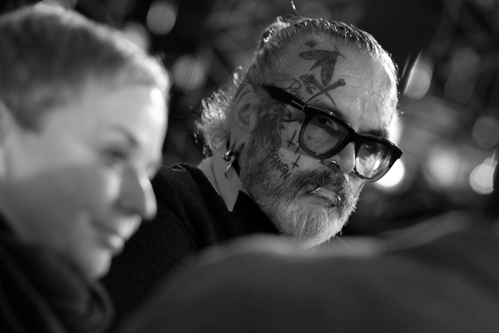 """Sven Marquardt ist Türsteher und Fotograf. In beiden Berufen hat er einen Blick für das Besondere und Wesentliche. Seine Corona-Gedanken teilt er im Filmclip """"Isolation"""". Foto: imago/Seeliger"""