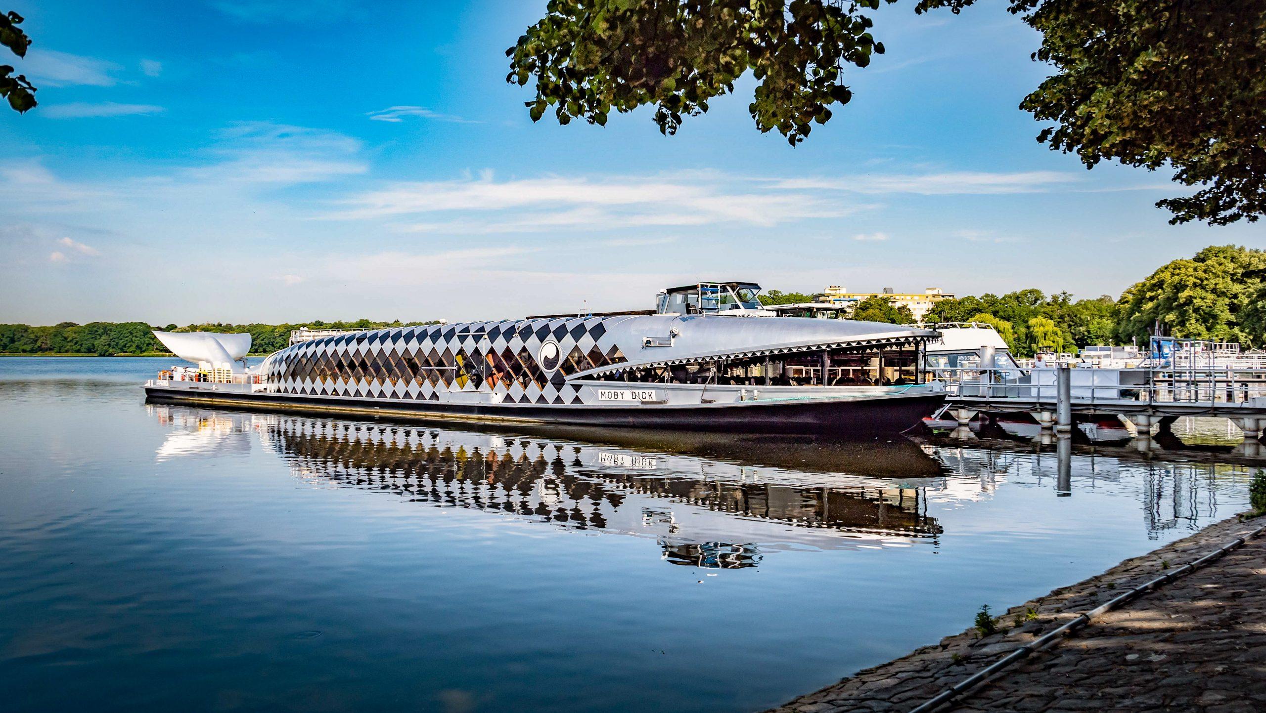 """""""Moby Dick"""" gehört zu Berlins bekanntesten Ausflugsschiffen. Foto: Imago/Jürgen Ritter"""