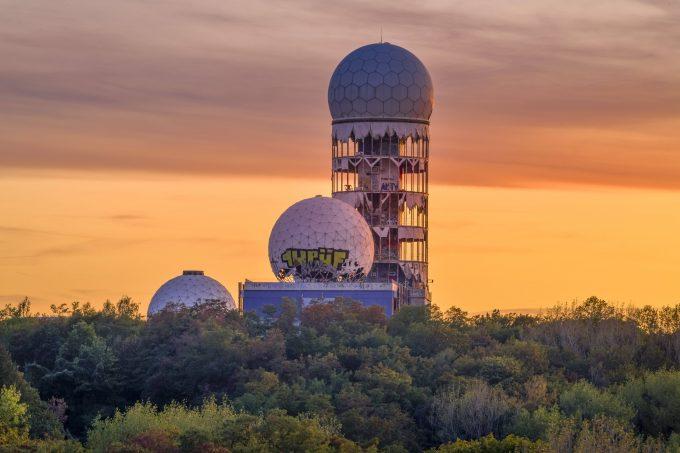 Radarstation, Teufelsberg, Grunewald, Charlottenburg, Berlin, Deutschland  Radar station, Teufelsberg, Grunewald, Charlottenburg, Berlin, Germany