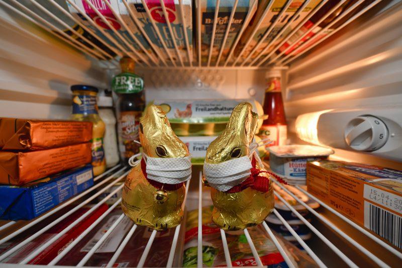 Corona-Hamstern: Osterhasen gibt es genug – Klopapier ist weiter knapp. Aber es gibt noch andere Trendgüter. Foto: Imago/Weber