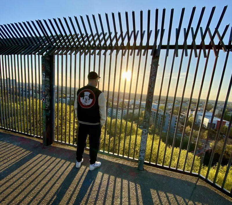 Der Flakturm Humboldthain, ein ehemaliger Bunker aus dem Zweiten Weltkrieg, ist heute eine Aussichtsplattform. Foto: tipBerlin