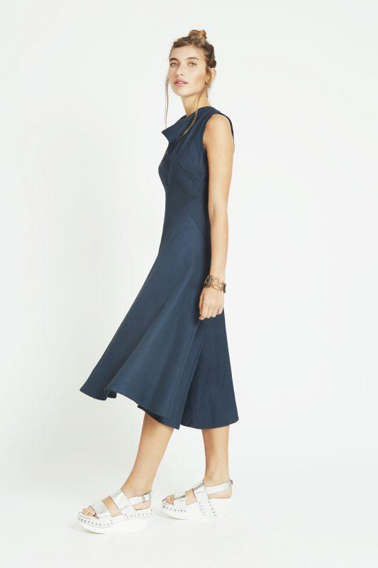Dieses schöne May Dress von Melinda Stoke findet ihr in der aktuellen Kollektion.