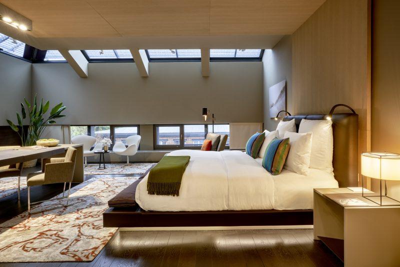 Aus den Zimmern des Boutique-Hotels SO/Das Stue blickt man direkt auf das ruhige Grün des Tiergartens.