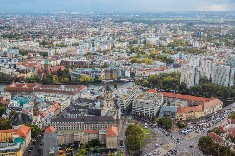 Vom Berliner Fernsehturm hat man eine atemberaubende Aussicht über die Stadt.