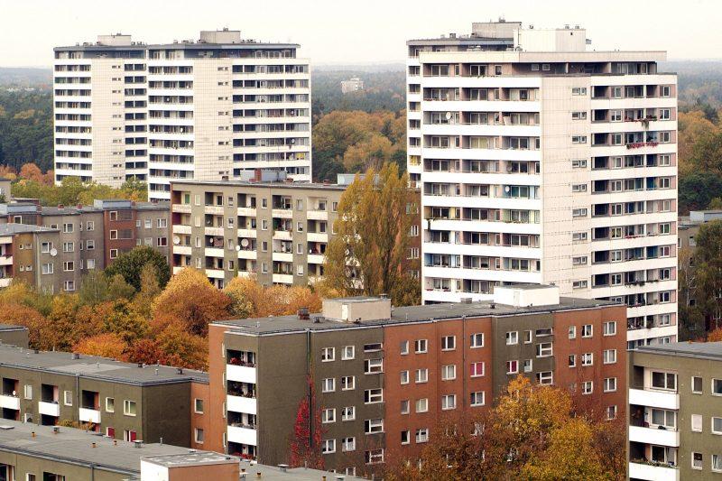 Großwohnsiedlungen in Berlin: Das Falkenhagener Feld befand sich von der 1960er Jahren bis in die 1990er Jahre im Bau.