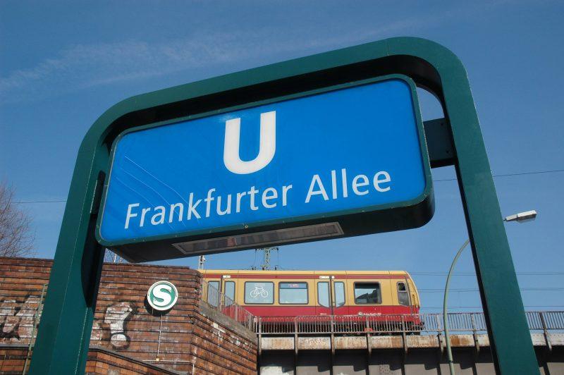 S- und U-Bahnhof Frankfurter Allee in Friedrichshain