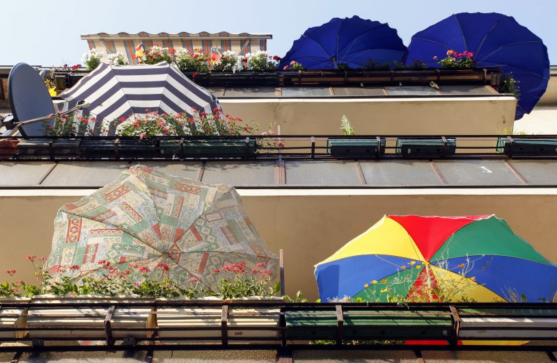 Balkonien ersetzt die Urlaubsreise. Foto: Imago/Müller-Stauffenberg