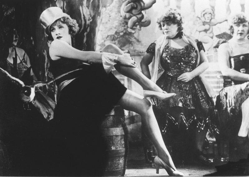 """Marlene Dietrich in """"Der blaue Engel"""" (1930, R: Josef von Sternberg)."""