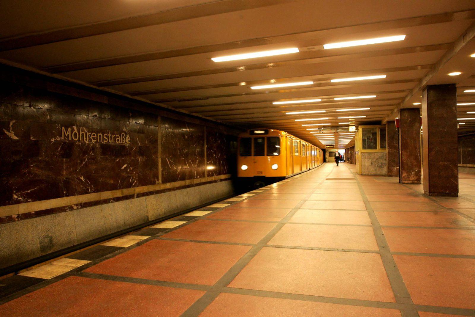 Sehr umstritten ist der Name dieser in Mitte gelegenen U-Bahnstation.