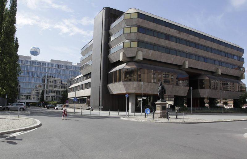 Heute steht die Botschaft der Tschechischen Republik auf der Südhälfte des ehemaligen Wilhelmplatzes.