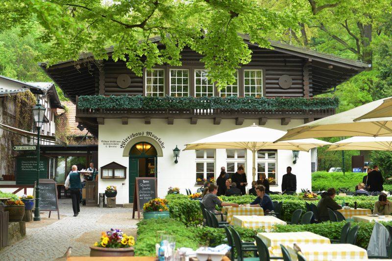 Gartenrestaurant in Berlin Das Wirtshaus Moorlake ist ein schönes Berliner Garten-Restaurant mit gutbürgerlicher Küche.
