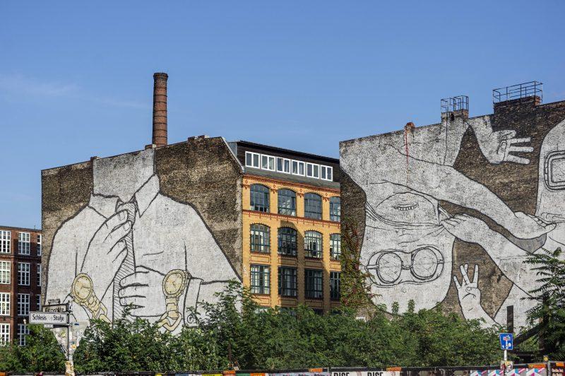 Das Mural von Blu an der Cuvrybrache.