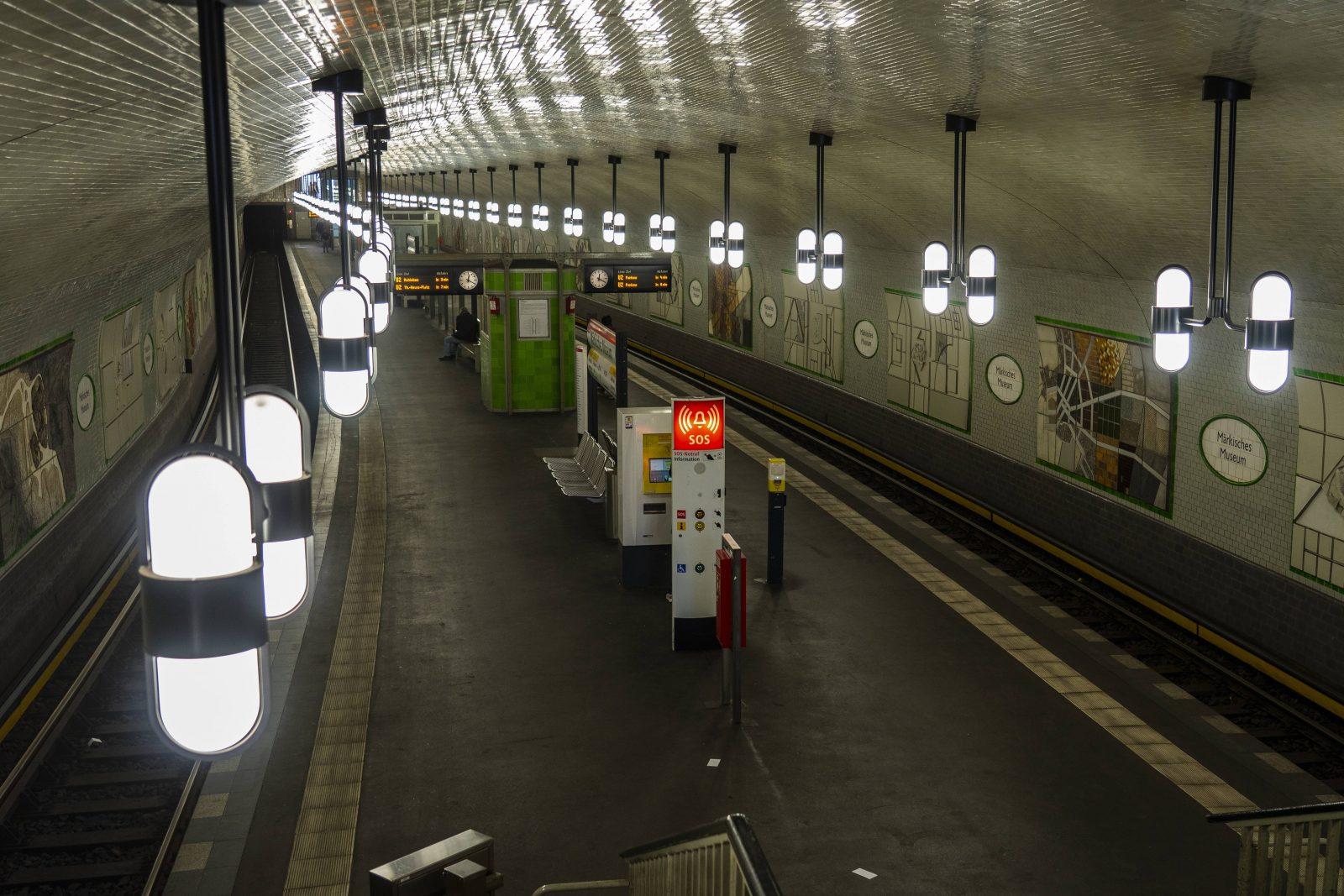 Ebenfalls von Grenander gestaltet wurde die Station Märkisches Museum.