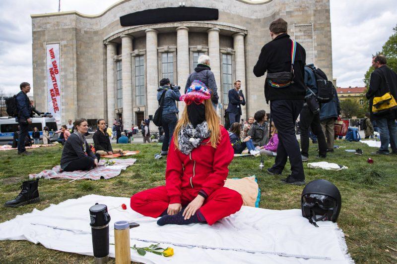 Hygiene-Demo am 25. April vor der Volksbühne