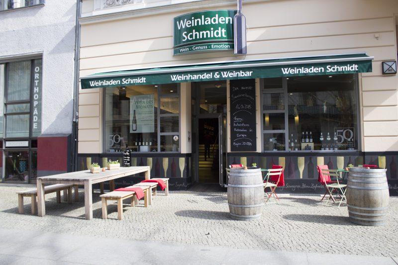 Die sechs Filialen des Weinladen Schmidt versorgen Berliner*innen mit europäischen Weinen.