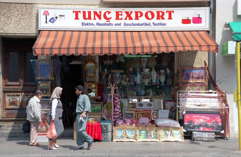 Türkisches Geschäft Tunc Export in der Oranienstraße, einer Straße mit Geschichte