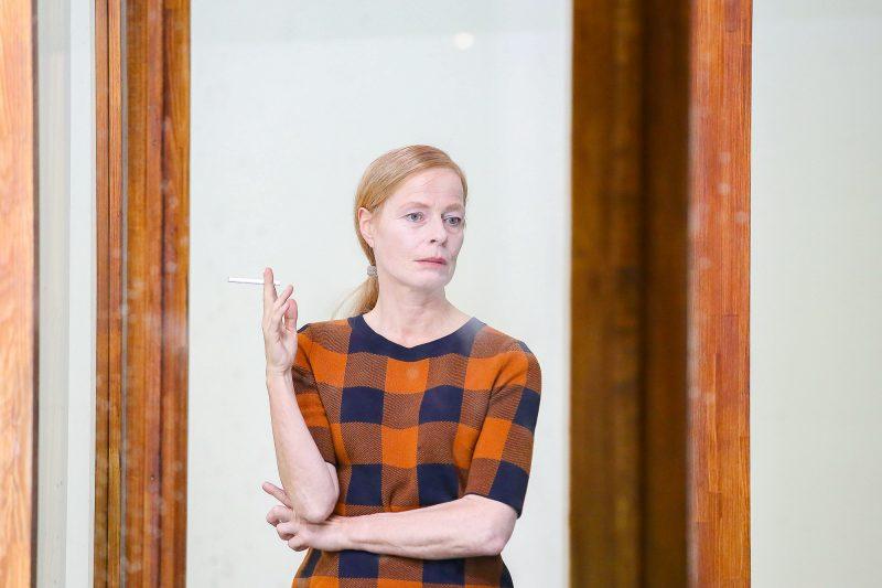 """Corinna Kirchhoff während der Fotoprobe zu """"Nichts von mir"""" im Berliner Ensemble. Foto: Imago/Martin Müller"""