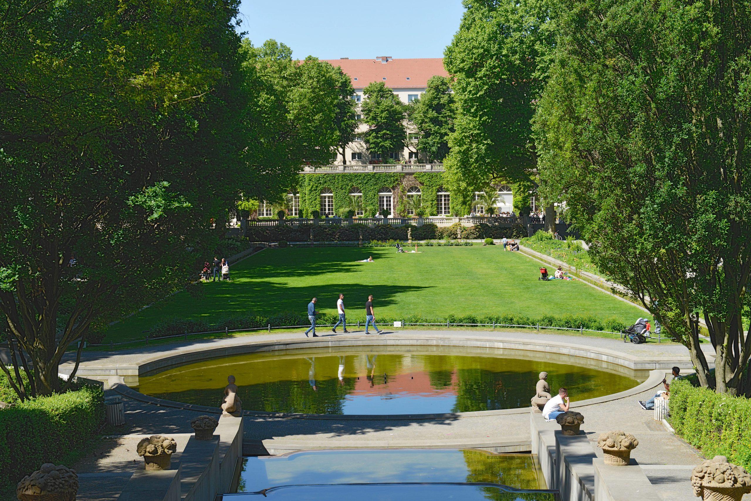 Die Brunnenanlage im Körnerpark ist vor allem im Sommer hübsch anzusehen. Foto: Imago/Joko