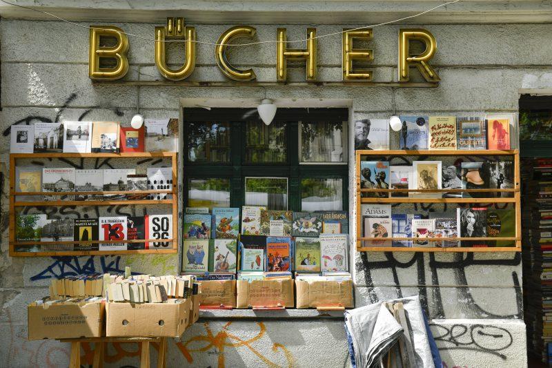 Antiquariate in Berlin: Wo man am besten gebrauchte Bücher in Berlin bekommt? Zum Beispiel in dem Antiquariat in der Prenzlauer Allee, Prenzlauer Berg.