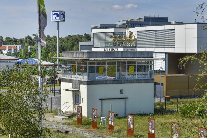 Wachturm an der Gedenkstätte in Brandenburg in Drewitz-Dreilinden.